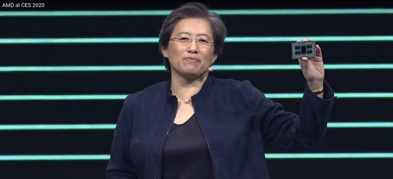 Lisa su holding 64 core threadripper.jpg